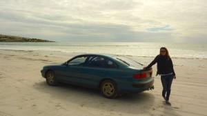 Nous on visite les plages, en voiture