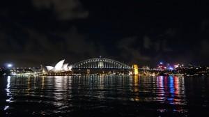 Vue sur l'Opéra, l'Harbour Bridge et le CBD depuis le Botanic Garden